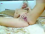 SonyaBony plays with her holes